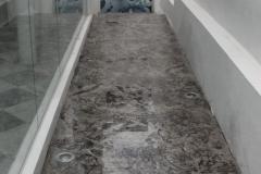 imagen pasillo estampado plata gris 02
